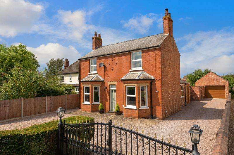 3 Bedrooms Detached House for sale in 10 Lincoln Road, Metheringham