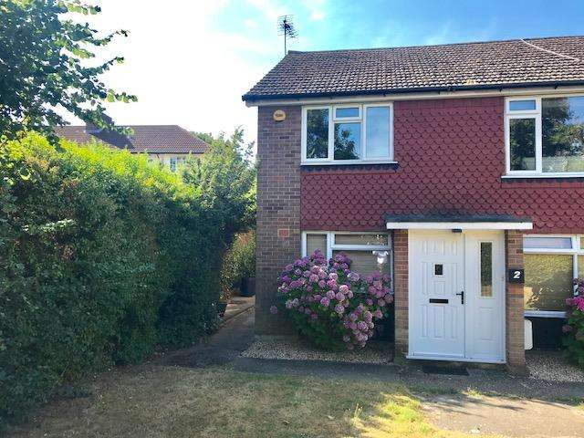 2 Bedrooms Maisonette Flat for sale in Bramley Close, Oakwood N14
