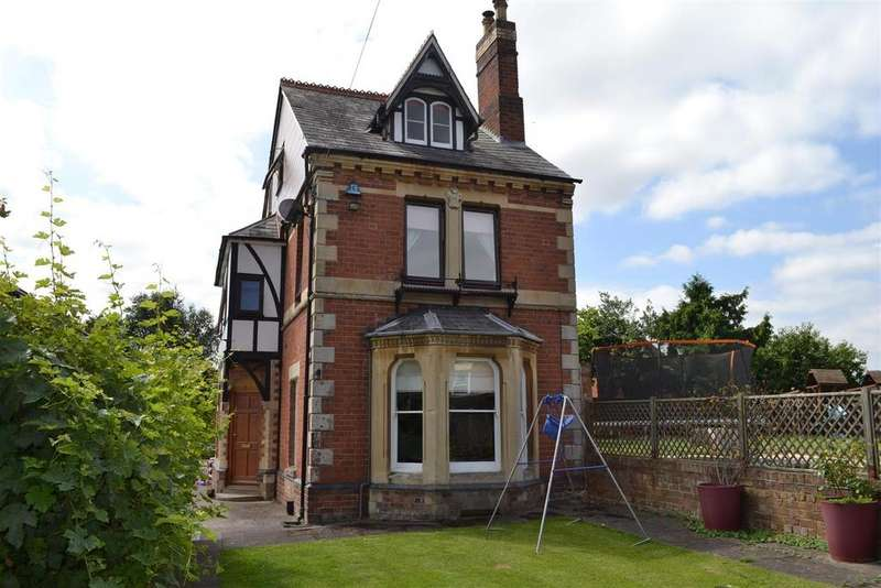 5 Bedrooms Detached House for sale in The Bargates, Leominster