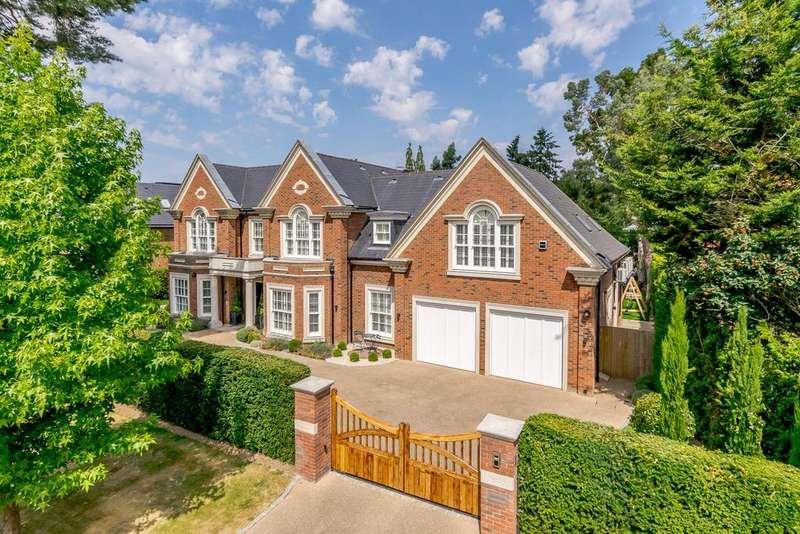 5 Bedrooms Detached House for sale in Mizen Way, Cobham, Surrey, KT11