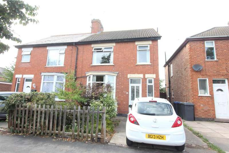 3 Bedrooms Semi Detached House for sale in Merevale Avenue, Hinckley