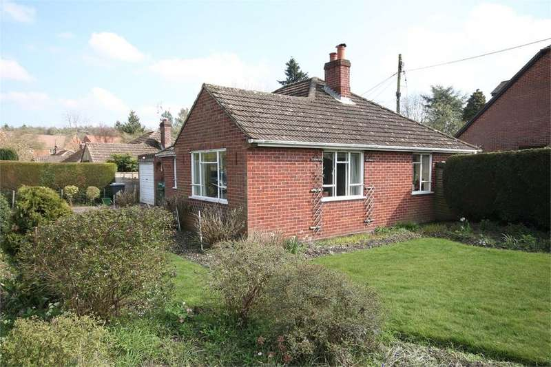 2 Bedrooms Detached Bungalow for sale in Orchard Close, Hermitage, THATCHAM, RG18