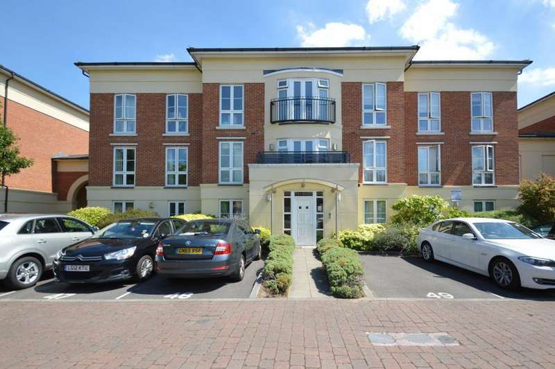 3 Bedrooms Apartment Flat for sale in Trevelyan Court, Windsor