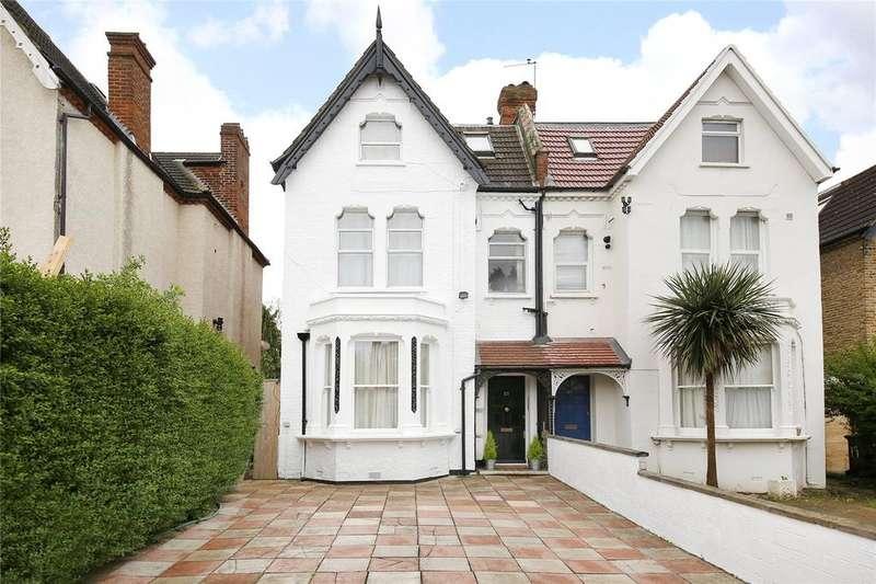 Studio Flat for sale in Baldry Gardens, Streatham, SW16