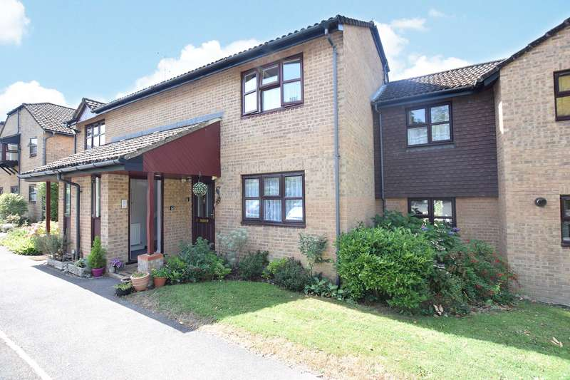 1 Bedroom Maisonette Flat for sale in Beechcroft Court, Crowthorne Road, Bracknell, Berkshire, RG12