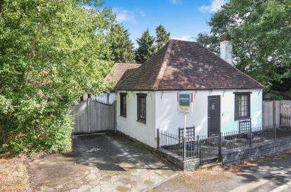 3 Bedrooms Detached House for sale in North Weald, Epping, Essex