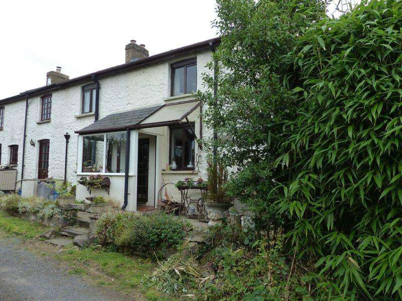 3 Bedrooms Semi Detached House for sale in Pentre Lane, Pontypool