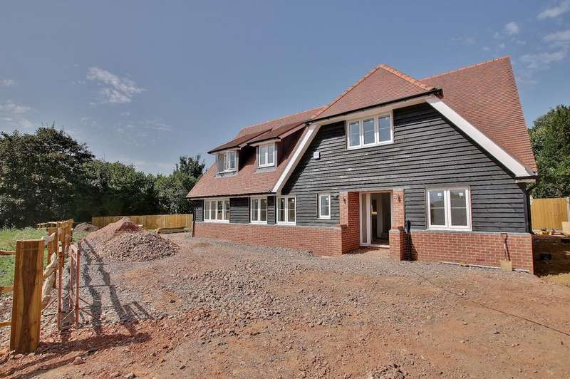 4 Bedrooms Detached House for sale in Ampfield, Romsey