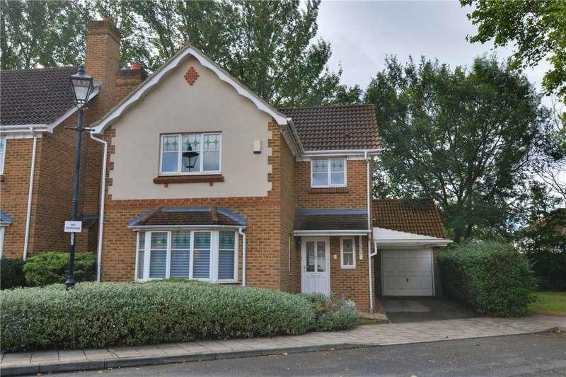 3 Bedrooms Detached House for sale in Crosier Close, Blackheath, London, SE3