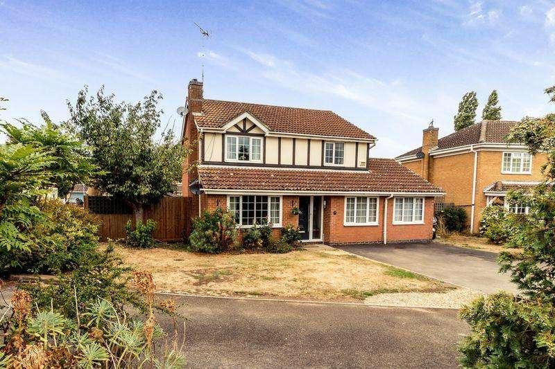 5 Bedrooms Detached House for sale in Wertheim Way, Stukeley Meadows, Huntingdon, Cambridgeshire.