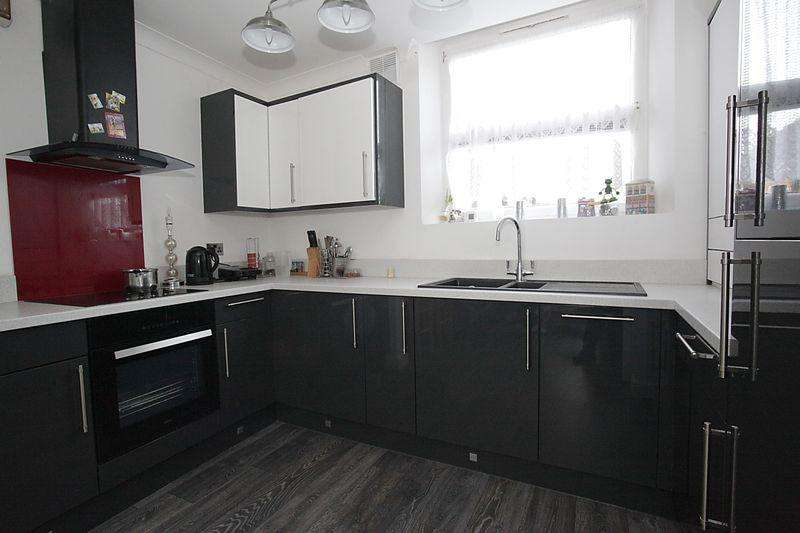 1 Bedroom Apartment Flat for sale in **MUCH SOUGHT-AFTER SOUTH LUTON DISTRICT**
