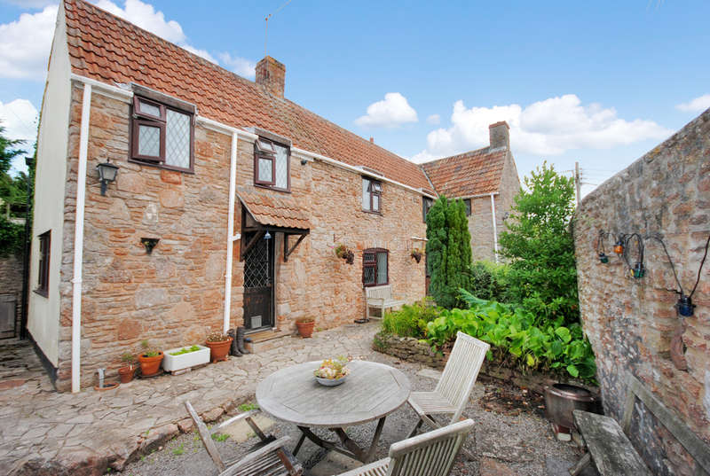 4 Bedrooms Cottage House for sale in The Street, Draycott