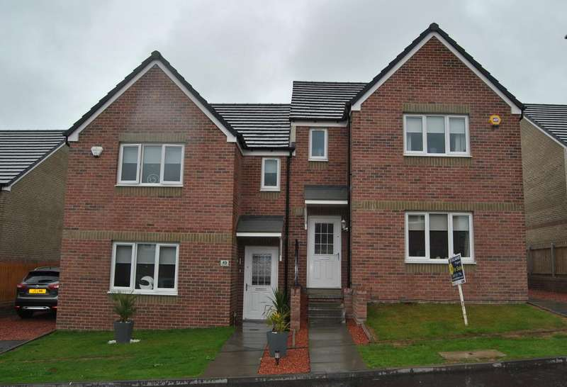 3 Bedrooms Semi Detached House for sale in Chryston G69
