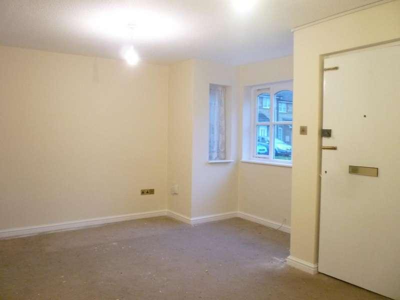 1 Bedroom Ground Flat for sale in Off Beechwood Road