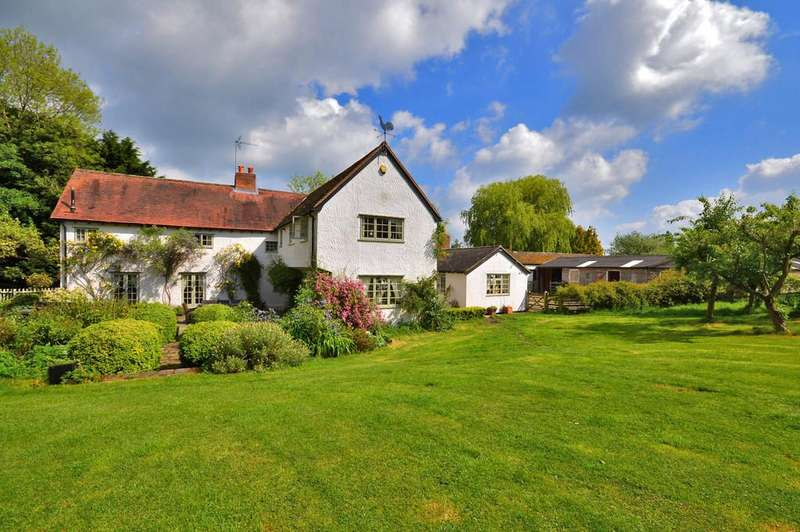 4 Bedrooms Detached House for sale in Debden Green, Saffron Walden