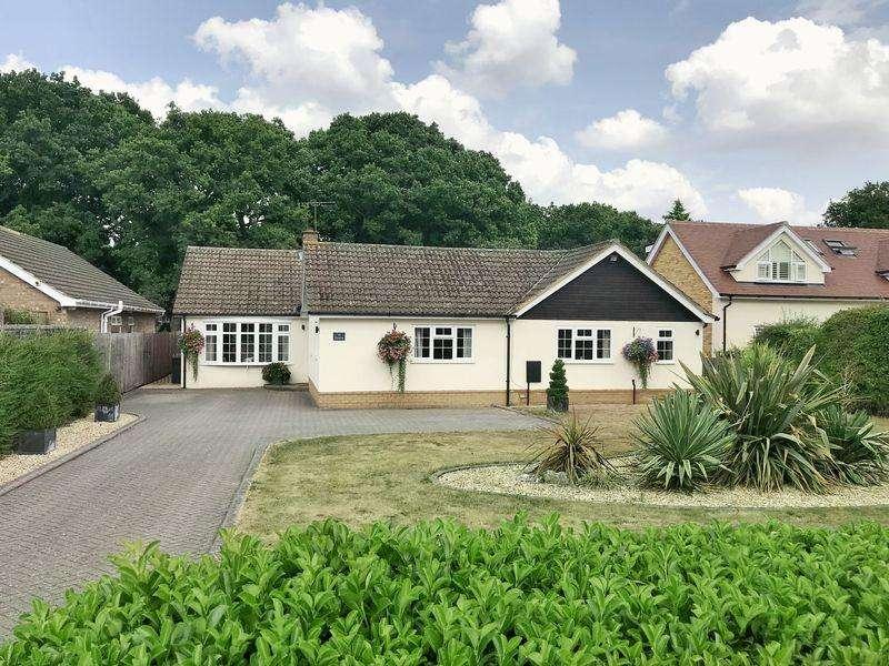 4 Bedrooms Detached Bungalow for sale in Oakway, Studham