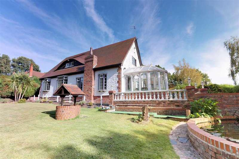 3 Bedrooms Detached House for sale in Sunnycroft, Pex Hill, Widnes