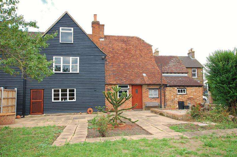 7 Bedrooms Semi Detached House for sale in Horndon On The Hill