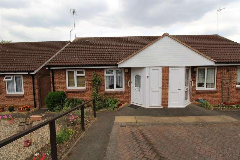 2 Bedrooms Bungalow for sale in Peggs Grange, Hugglescote, Coalville