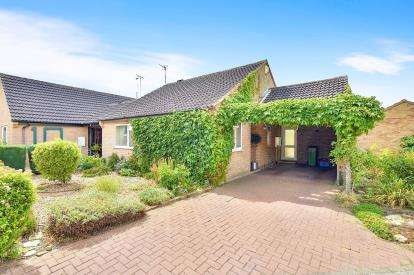 2 Bedrooms Bungalow for sale in Greatchesters, Bancroft, Milton Keynes, Bucks