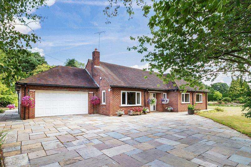 3 Bedrooms Detached Bungalow for sale in Middle Lane, Congleton