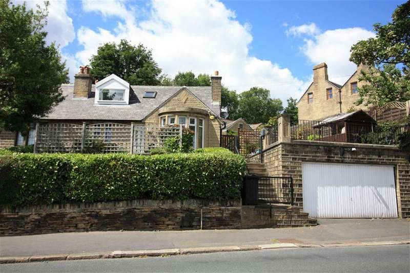 4 Bedrooms Semi Detached House for sale in Heaton Road, Gledholt, Huddersfield