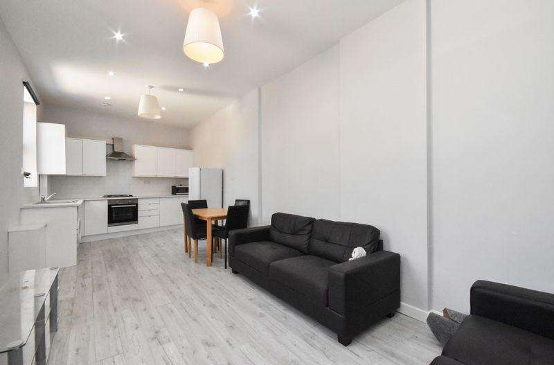 3 Bedrooms Apartment Flat for sale in Balham Hill, London
