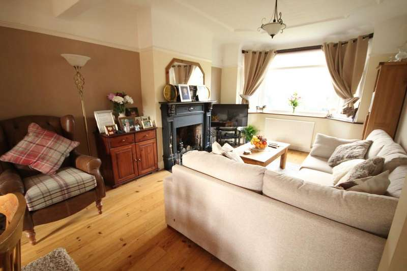 4 Bedrooms Semi Detached House for sale in Aston Road, Queensferry
