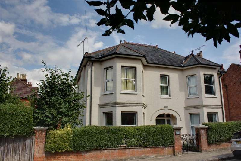 7 Bedrooms Detached House for sale in Lansdowne Road, Aldershot, Hampshire, GU11