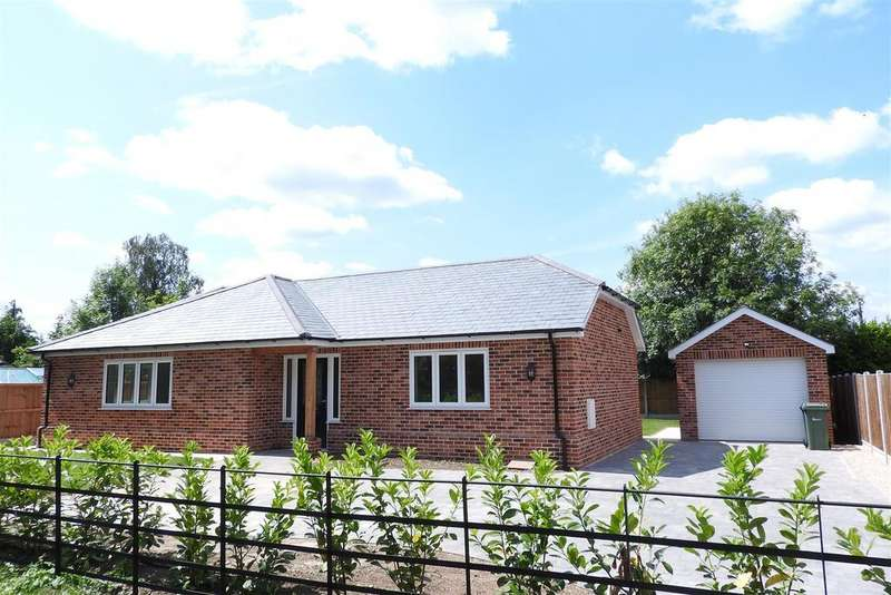 3 Bedrooms Detached Bungalow for sale in The Street, Hatfield Peverel, Chelmsford