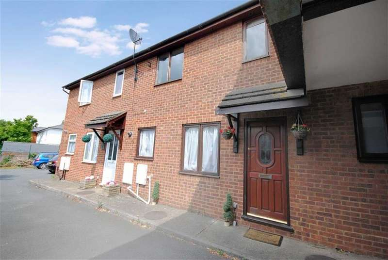 2 Bedrooms Terraced House for sale in West Court, Leighton Buzzard