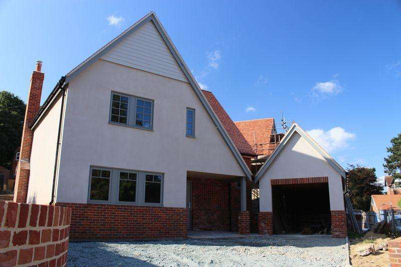 3 Bedrooms Detached House for sale in Hooks Hill Road, Sheringham