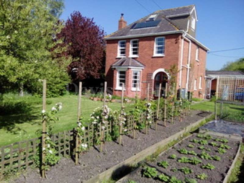 4 Bedrooms Detached House for sale in Goldcliff, Newport, Gwent. NP18 2AU
