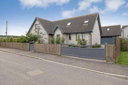 4 Bedrooms Detached House for sale in Blinkbonny Gardens, Breich