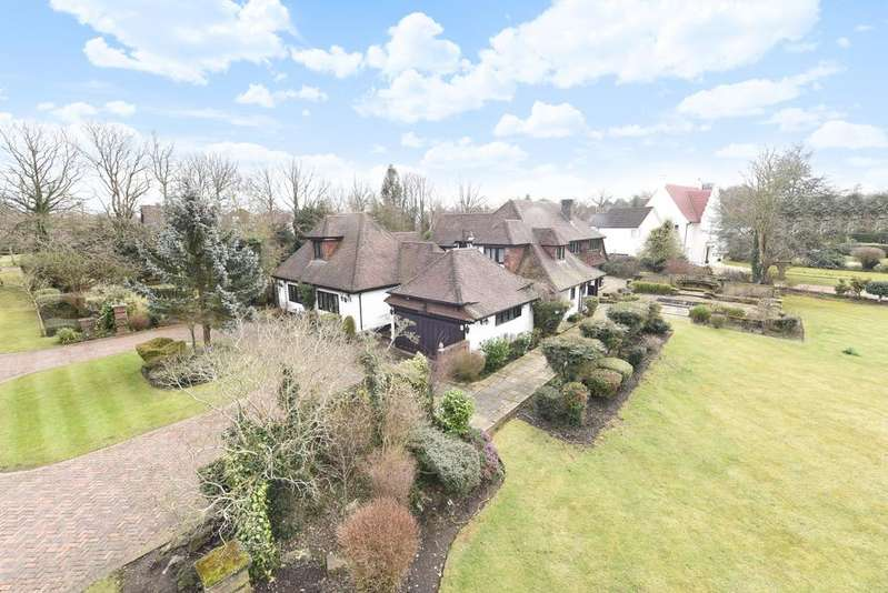 6 Bedrooms Detached House for sale in Park Avenue Farnborough BR6