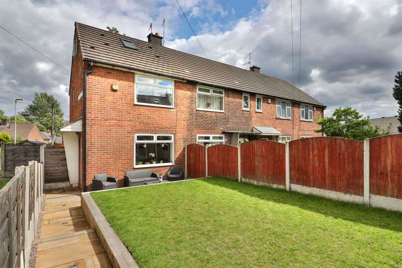 3 Bedrooms Town House for sale in Whalley Avenue, Littleborough, OL15 9HT