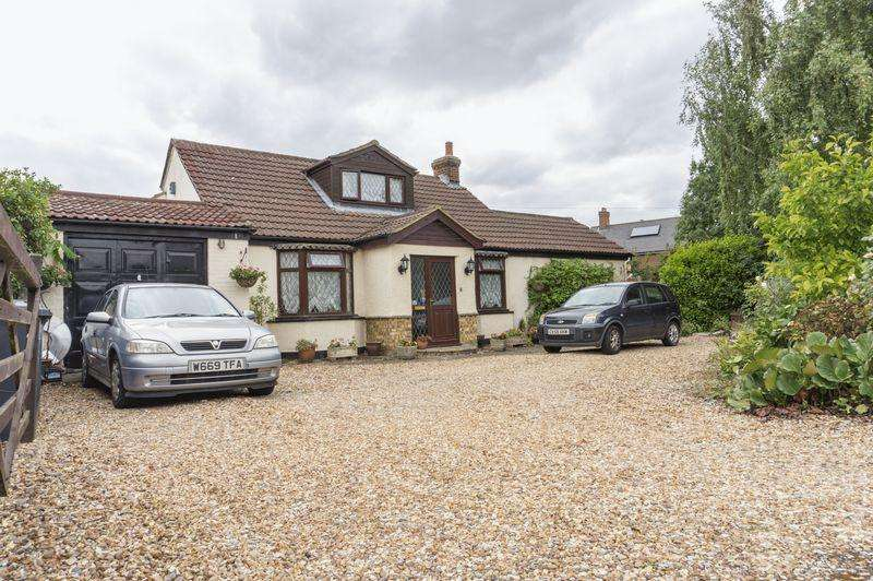 3 Bedrooms Bungalow for sale in Wilstead