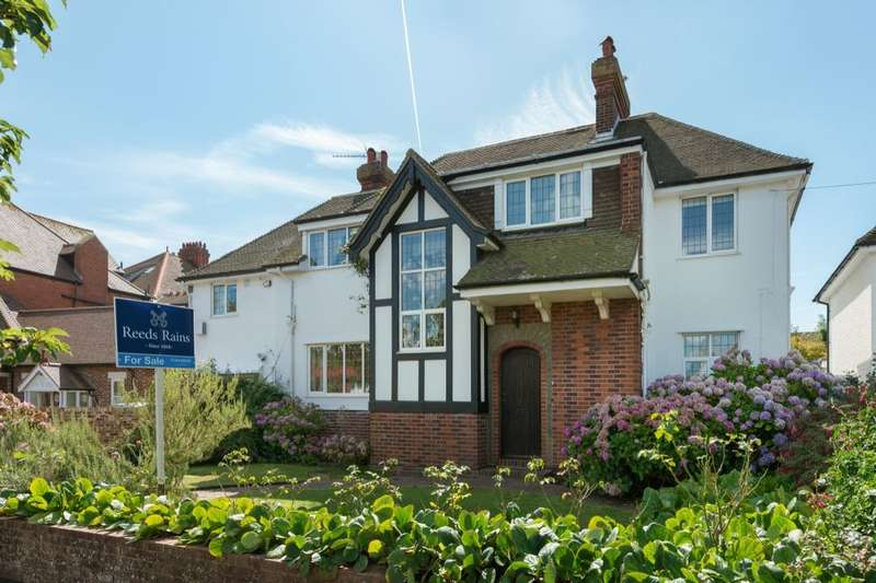 6 Bedrooms Detached House for sale in Bouverie Road West, Folkestone, CT20