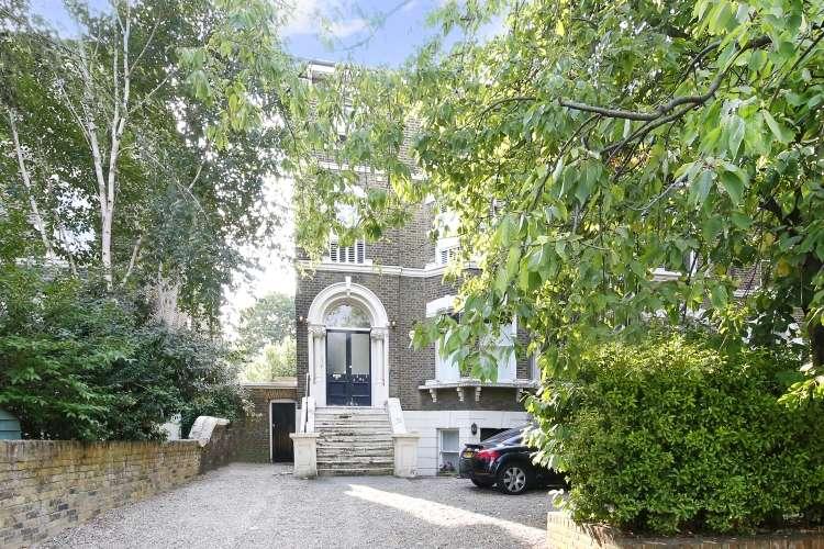 3 Bedrooms Flat for sale in Wickham Road Brockley SE4