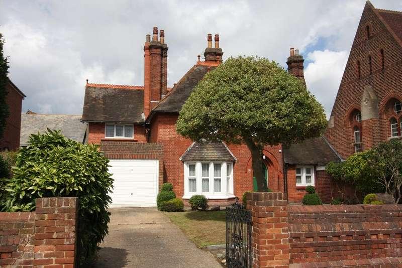 4 Bedrooms Link Detached House for sale in Furness Road, Eastbourne BN21