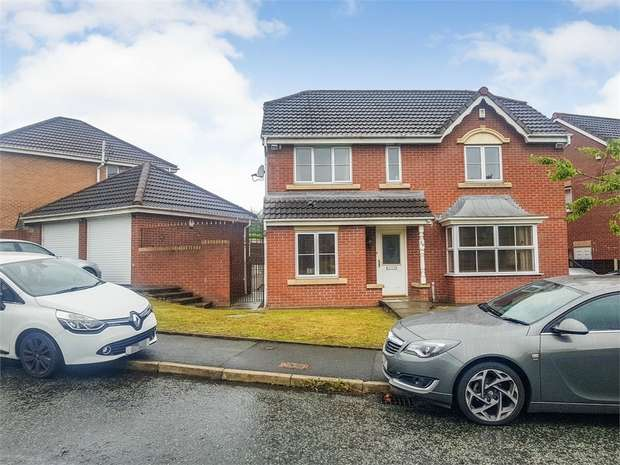 4 Bedrooms Detached House for sale in Greendale Drive, Radcliffe, Manchester, Lancashire