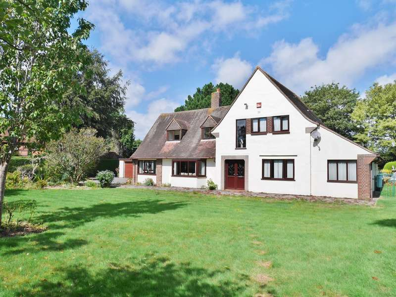 4 Bedrooms Detached House for sale in Warblington, Hampshire