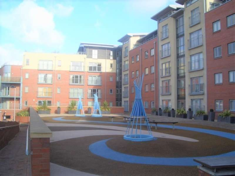 3 Bedrooms Flat for sale in Queens Road, Chester