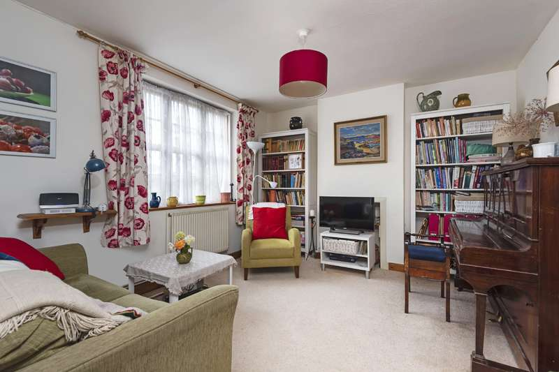 2 Bedrooms Property for sale in Asmuns Place, London