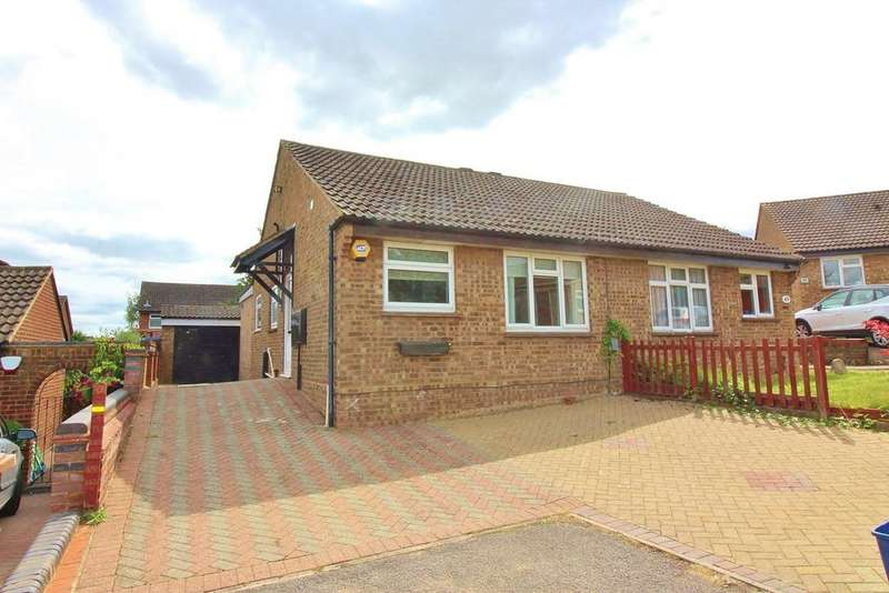 2 Bedrooms Semi Detached Bungalow for sale in Browning Drive, Hitchin, SG4