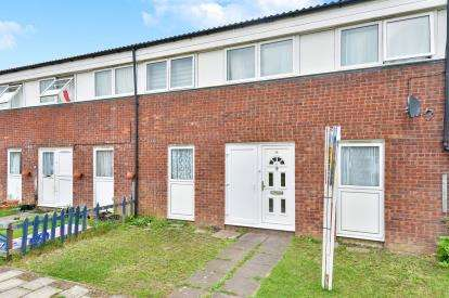 3 Bedrooms Terraced House for sale in Bounds Croft, Greenleys, Milton Keynes, Buckinghamshire