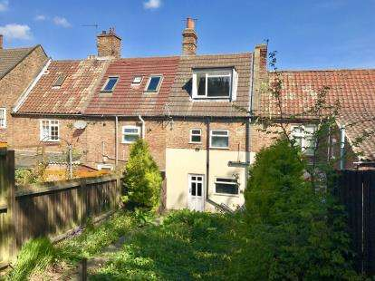 2 Bedrooms Terraced House for sale in Kidgate, Louth, Lincolnshire
