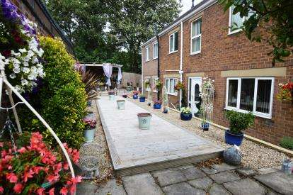 4 Bedrooms Detached House for sale in Aberford Road, Stanley, Wakefield, West Yorkshire