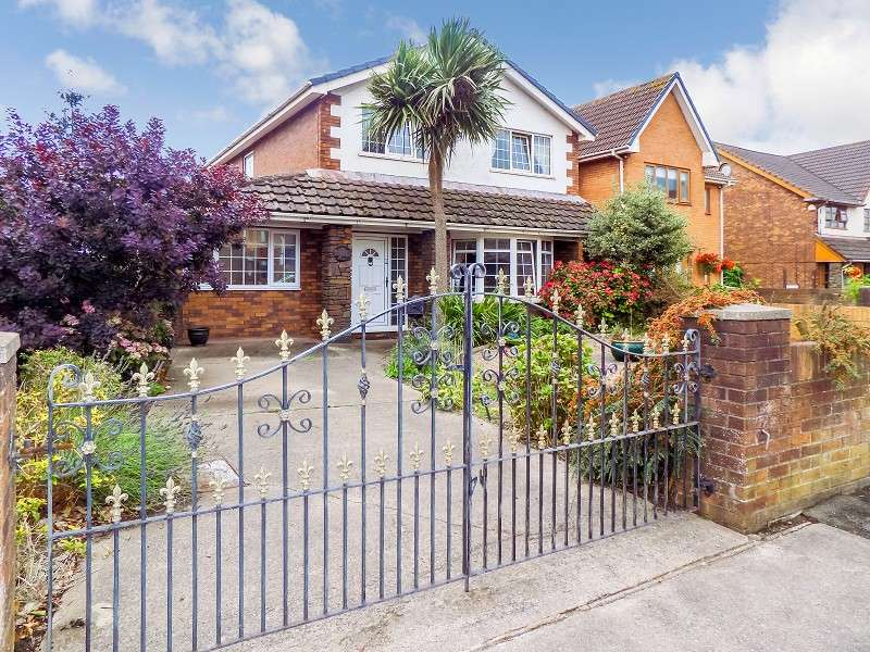 3 Bedrooms Detached House for sale in Sitwell Way, Port Talbot, Neath Port Talbot. SA12 6BH