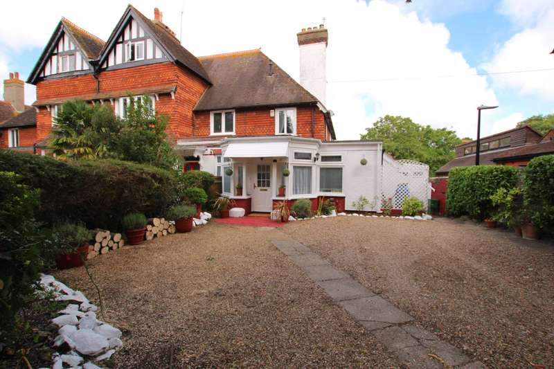 4 Bedrooms House for sale in The Goffs, Eastbourne, BN21 1HE